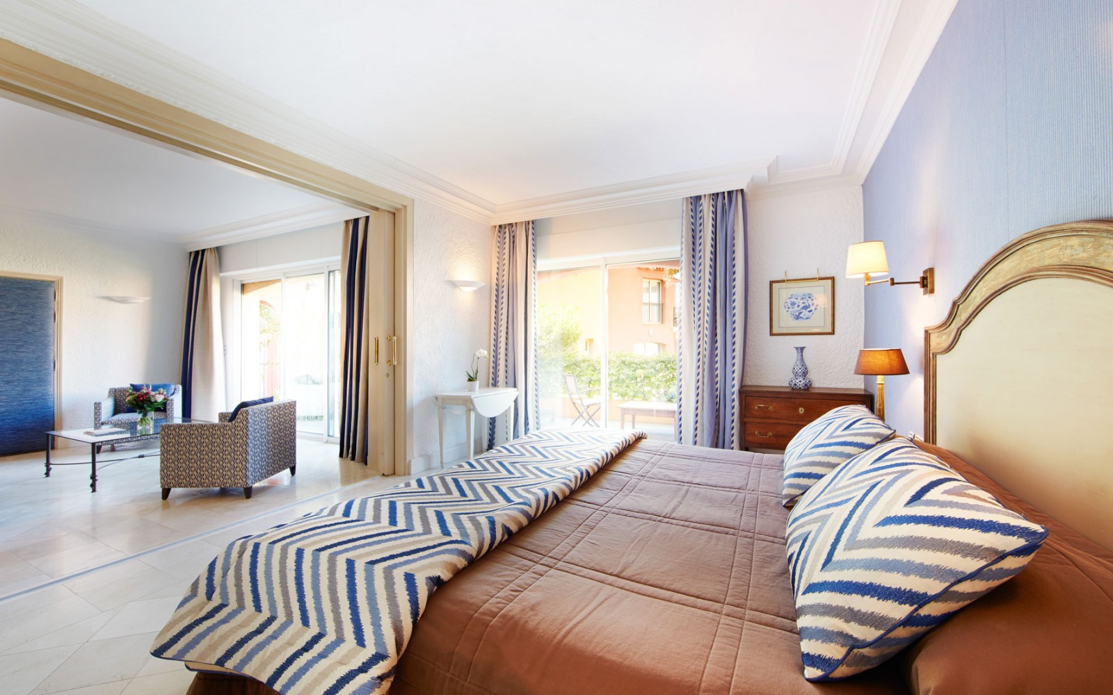 Hotel_Byblos_Saint-Tropez_Deluxe-Suite-129-2