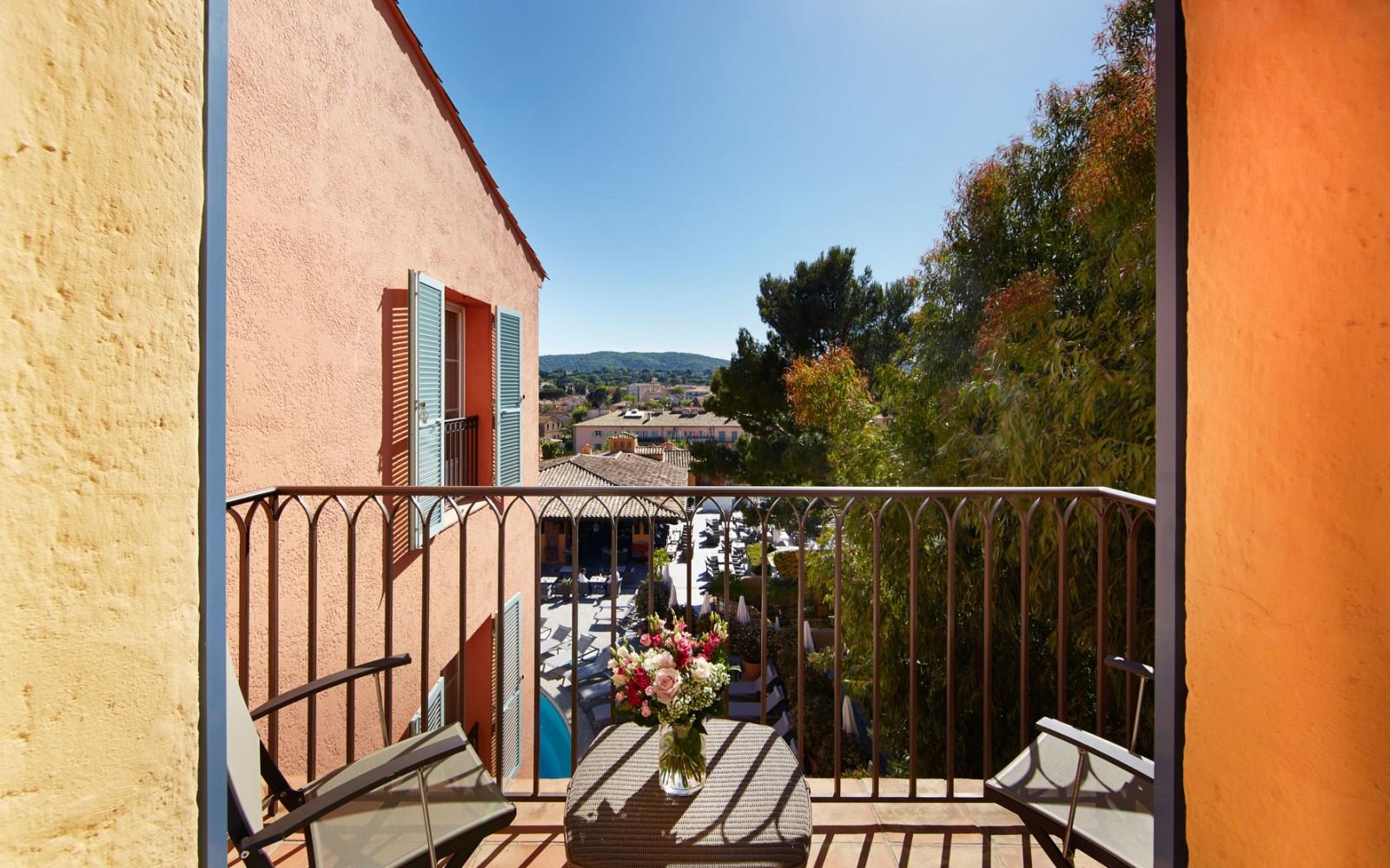 Hotel_Byblos_Saint-Tropez_Duplex-Room-504-3