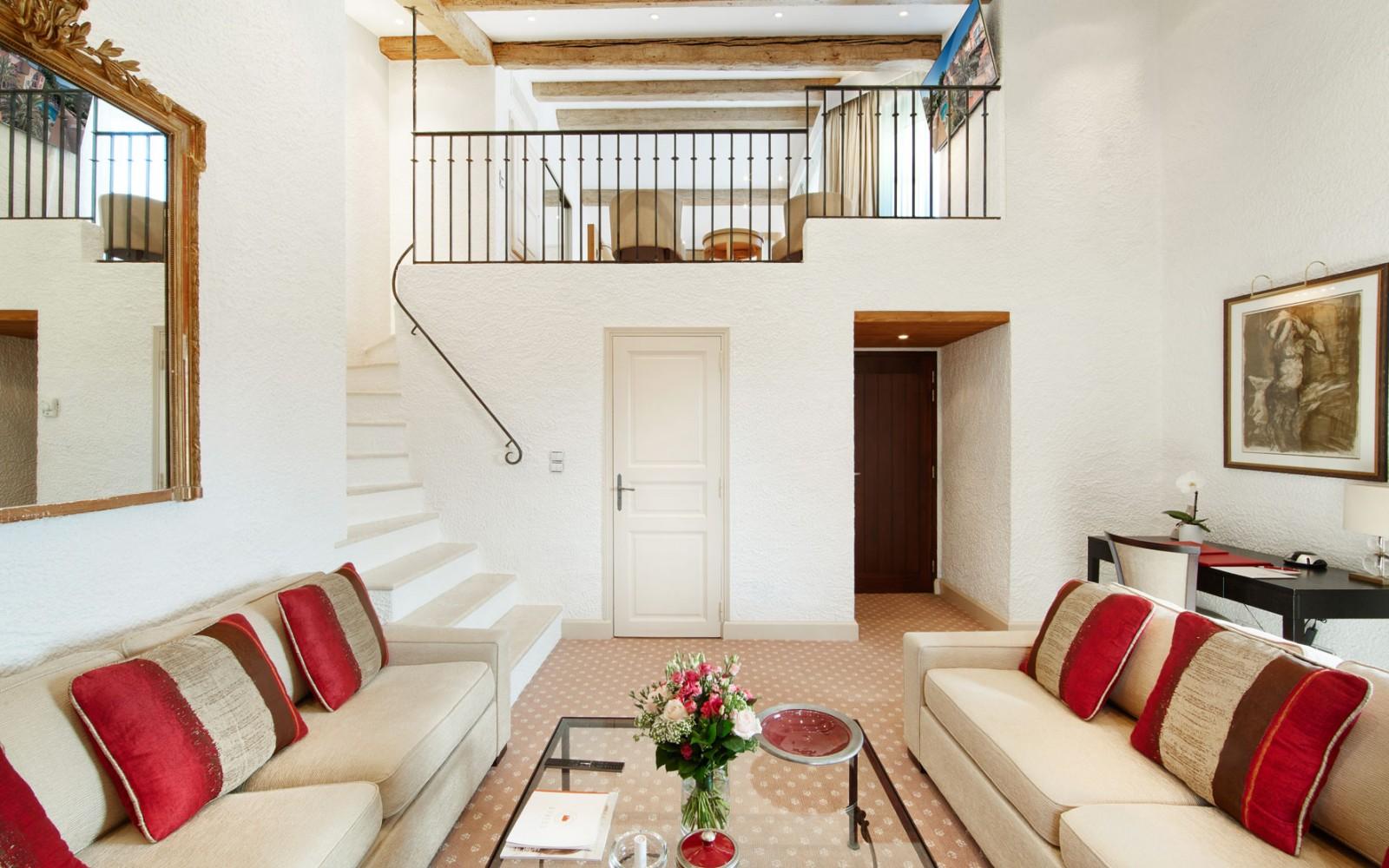 Hotel_Byblos_Saint-Tropez_Duplex-Suite-245-1