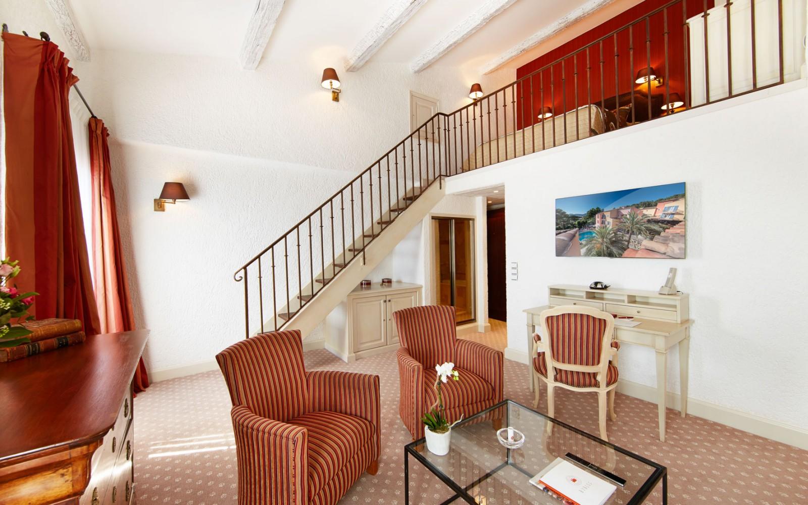 Hotel_Byblos_Saint-Tropez_Duplex-room-525-1