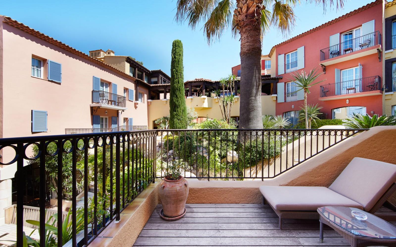Hotel_Byblos_Saint-Tropez_Junior-Suite-137-2