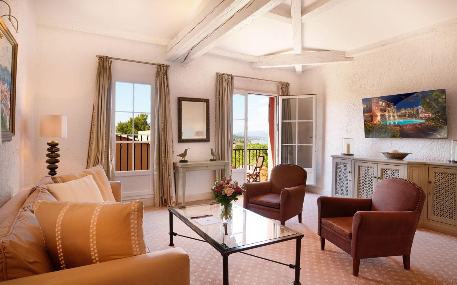 Hotel_Byblos_Saint-Tropez_Suite-Deluxe-606-3