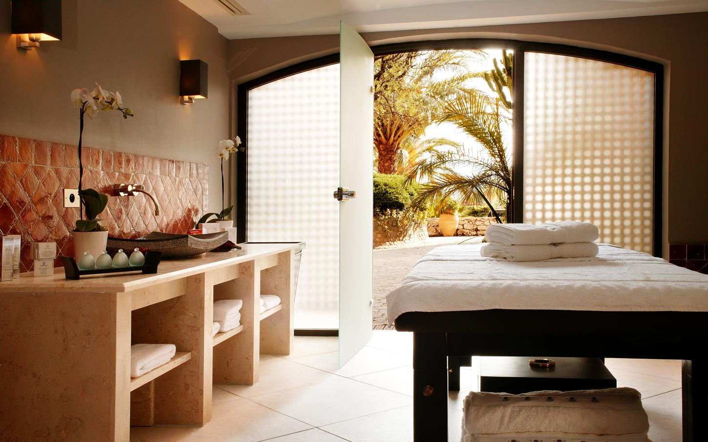 byblos-hotel-saint-tropez-spa-sisley-1