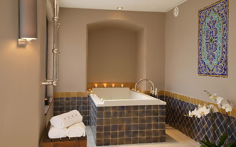 byblos-hotel-saint-tropez-spa-sisley-5