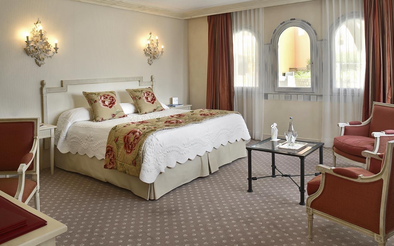 byblos-hotel-saint-tropez-suiteriviera-4