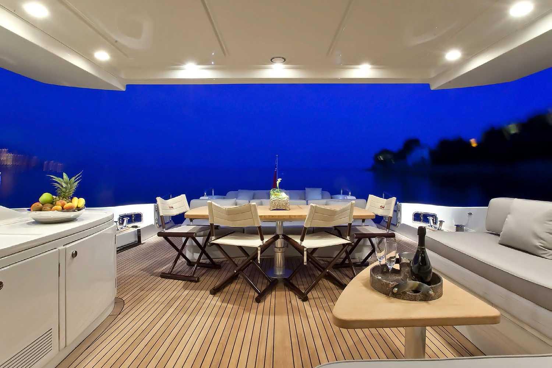 byblos-sainttropez-palace-yacht-Nami4