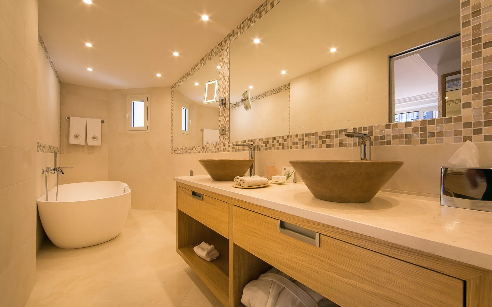 hotel-byblos-suite-du-roy-saint-tropez-2