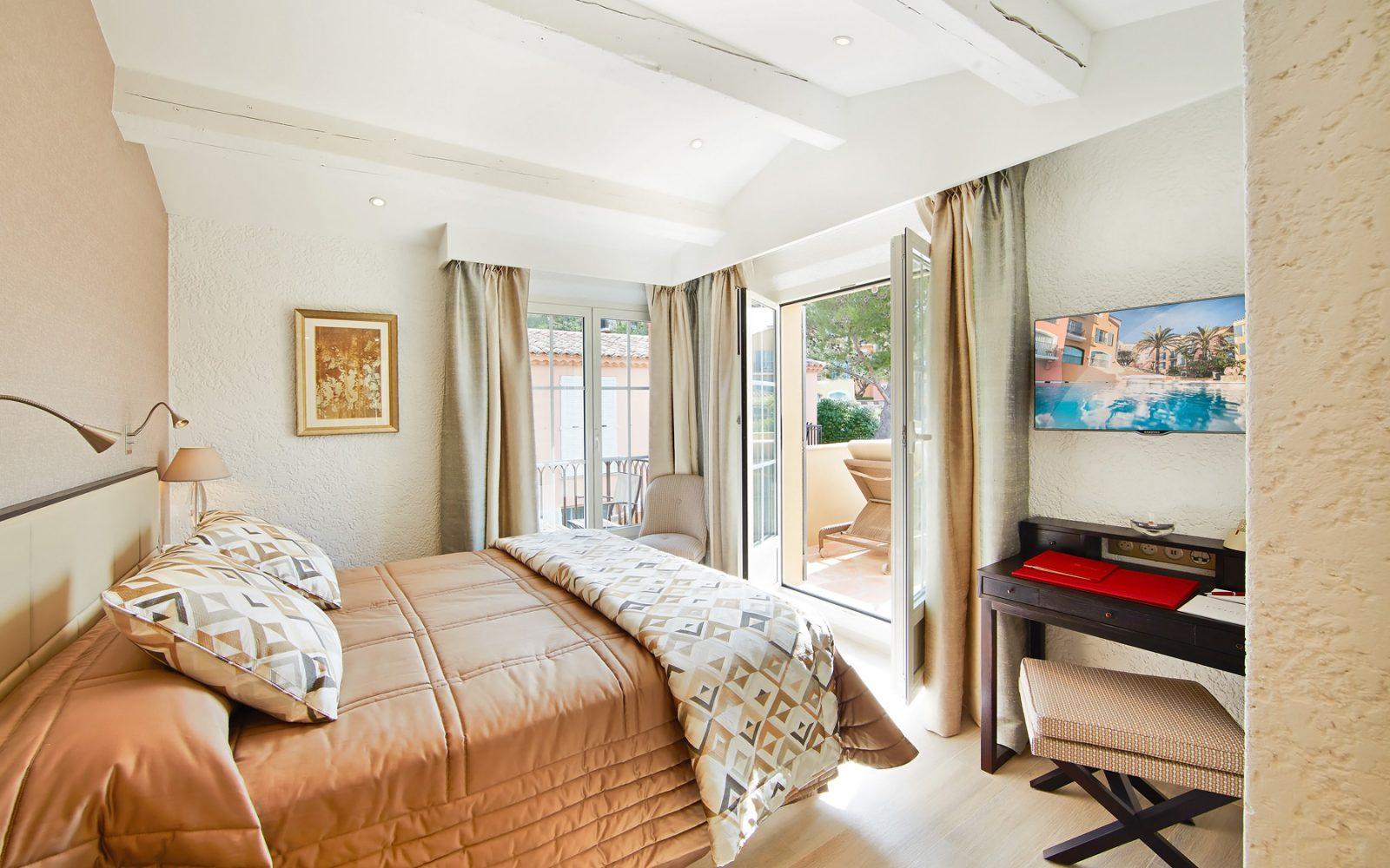 hotel-byblos-suite-du-roy-saint-tropez-4