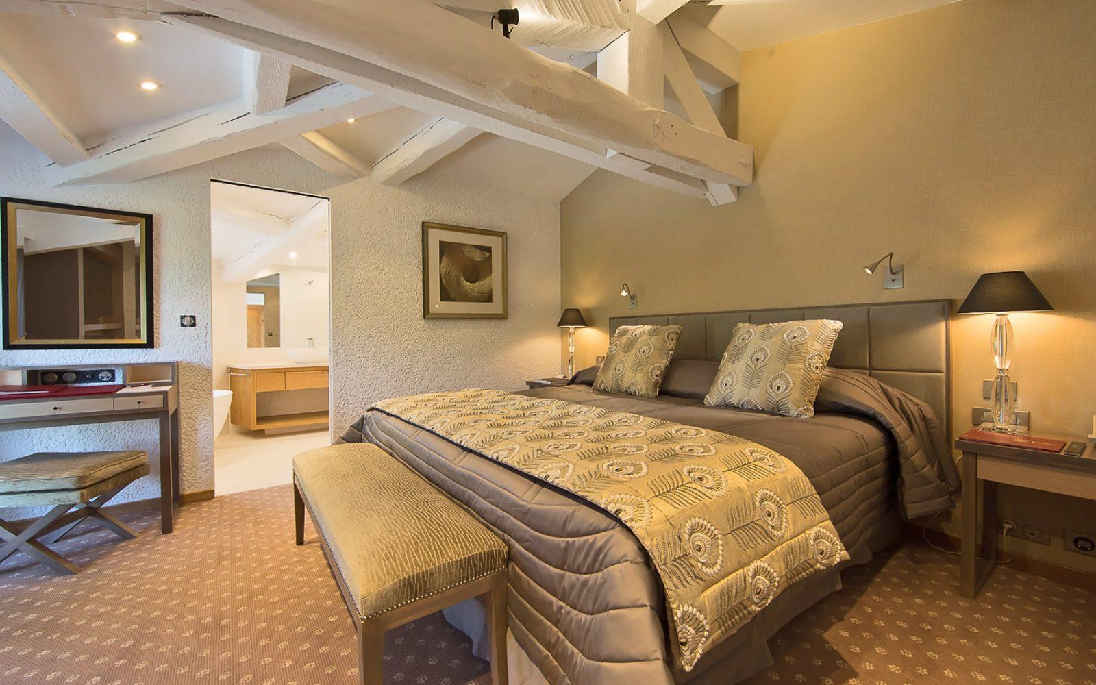 hotel-byblos-suite-du-roy-saint-tropez-5