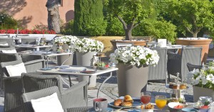 restaurant-b-byblos-saint-tropez-2